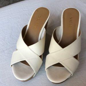 Nine West wedge heel cork cream 7 M shoe EUC cross